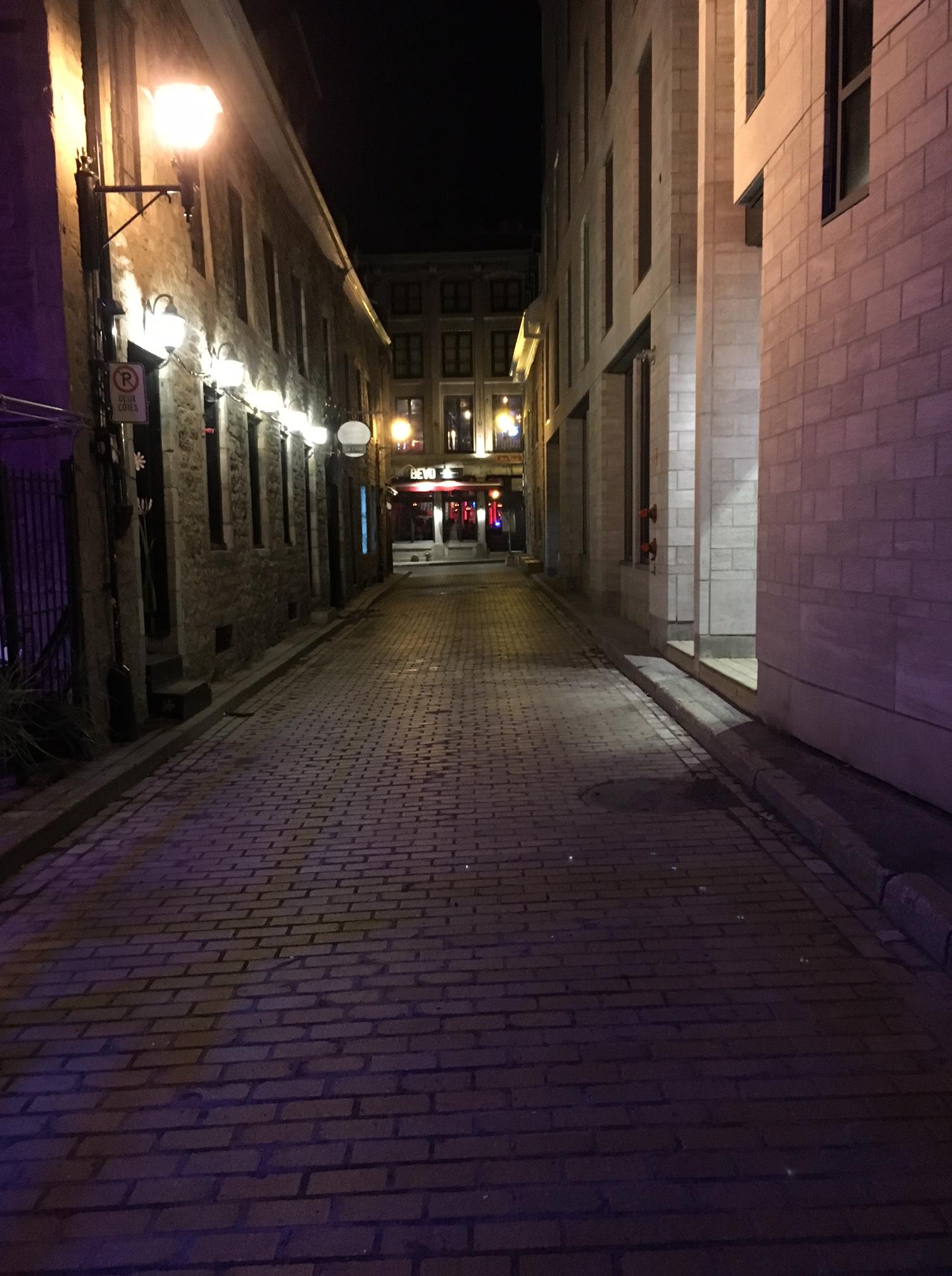 Old_montreal.jpg